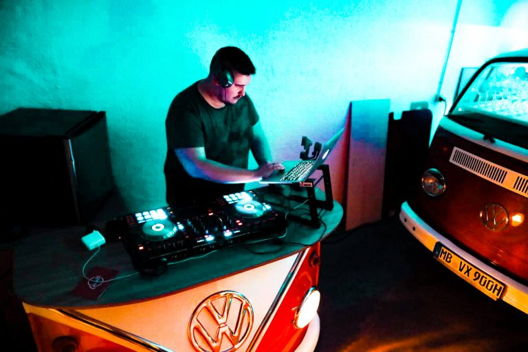 DJ Pult Bulliworks
