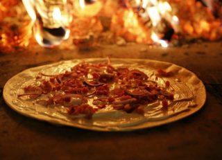 Ginbulli goes Pizza Bulli Unser Ginbulli-Team betreibt auch den einzigartigen Holzofen. Freut euch auf knusprige Pizza und herrliche Flammkuchen. #bulliliebe #kreativ #catering #holzofen #bulli #pizza #pizzalover #flammkuchen #vanlife #freiheit #bulliontour #bulligo